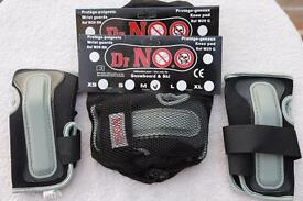 Snowboarding or skate boarding wrist guards