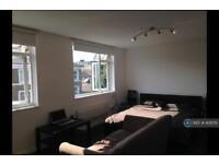 Studio flat in Northbourne Road, London, SW4