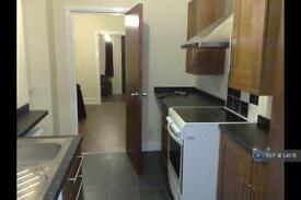2 bedroom house in Parkhill Avenue, Manchester, M8 (2 bed)