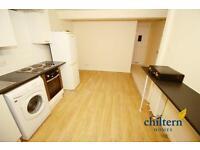 2 bedroom flat in Napier Road, Town