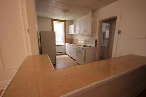 4.5 available for July 1st or later - ATWATER - DAWSON - 2BR