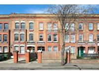 3 bedroom flat in Southampton Way, London, SE5 (3 bed)