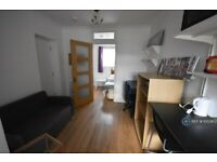 Studio flat in Lilac Road, Southampton, SO16 (#1003833)