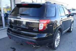 2011 Ford Explorer Limited V6 even has dvd head rests . Peterborough Peterborough Area image 5
