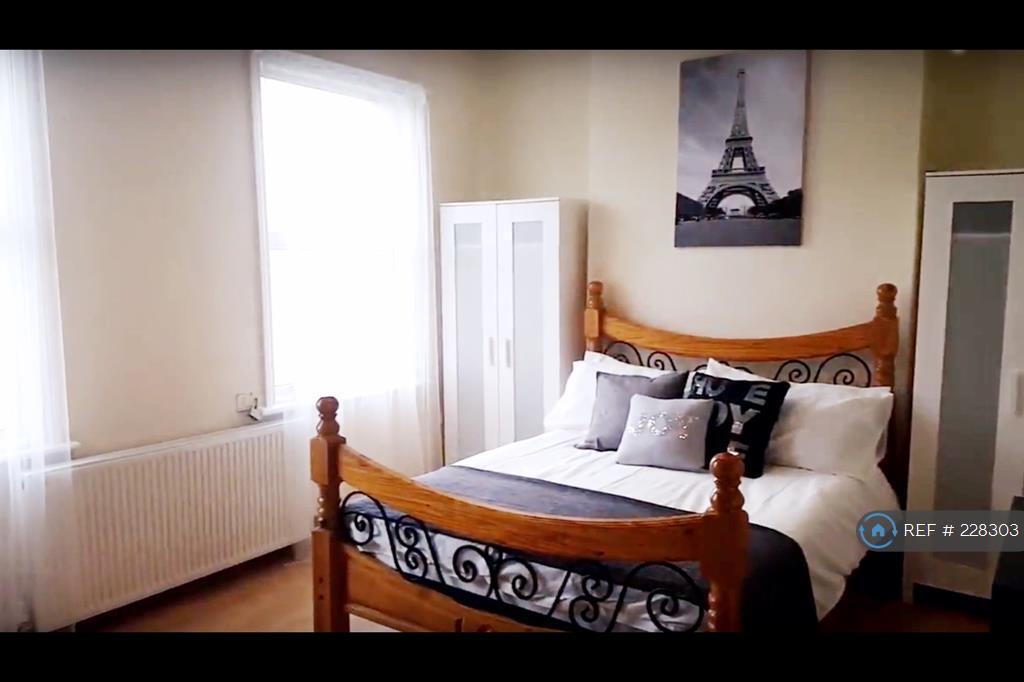 1 bedroom in Newton Road, Stratford, London, E15