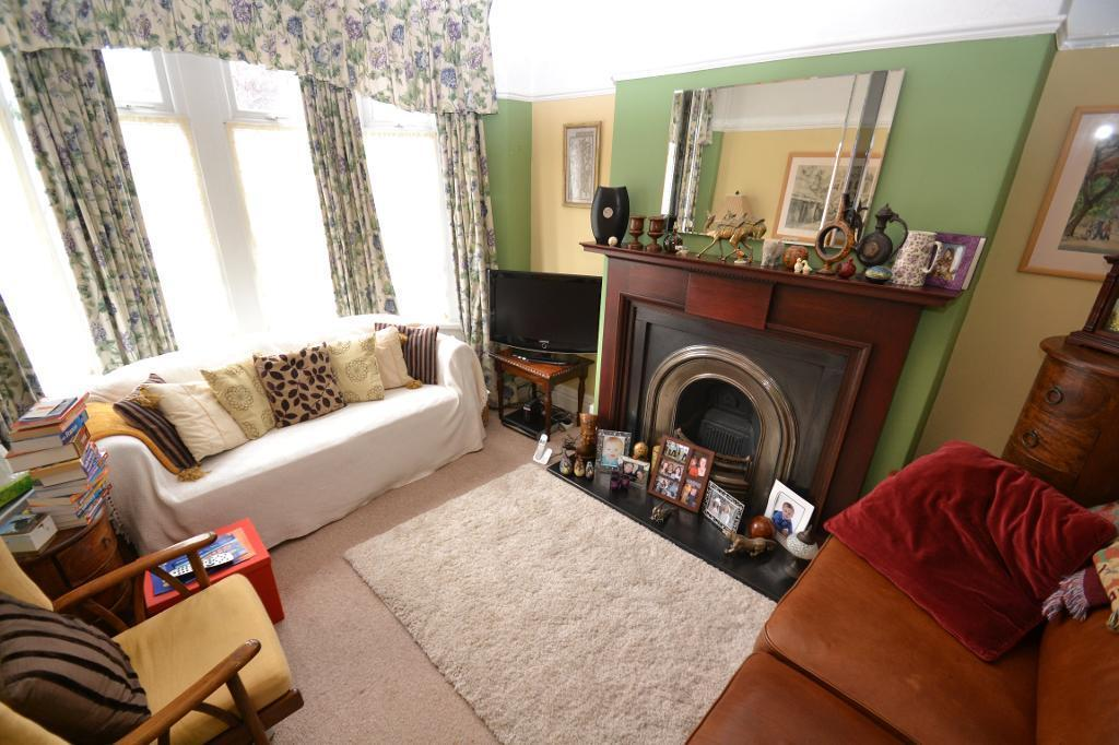 4 bedroom house in Clodien Avenue, Heath, Cardiff