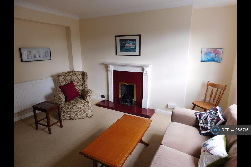 3 bedroom flat in Glazebrook Close, London, SE21 (3 bed)