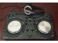 Pioneer WeGO 3 DJ Controller w/ Pioneer HDJ-500 Headphones