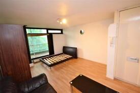 Studio flat in Broadfield Lane, Camden, London, NW1