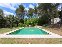 Beautiful property in Noves, Provence near Alpilles and Avignon, 9 persons with swimming pool
