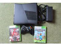 Xbox 360, controller & games (minecraft & W2K14)