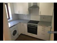 2 bedroom flat in Crown Mews, London, E13 (2 bed)
