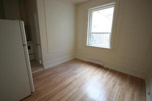 Cozy Studio available July 1st - ATWATER - DOWNTOWN - DAWSON