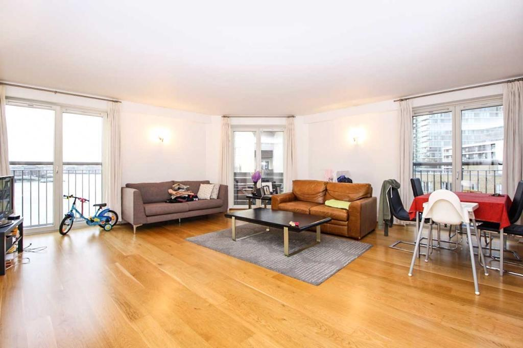 2 bedroom flat in Pierpoint Building, Canary Wharf E14