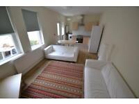 3 bedroom flat in Monthermer Road, CATHAYS, CARDIFF