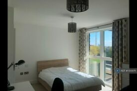 2 bedroom flat in Lakeside Drive, London, NW10 (2 bed) (#1059711)