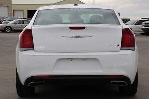 2015 Chrysler 300 S*HAIL DAMAGE ($3500)*PRICE DROP ($1500) Moose Jaw Regina Area image 7