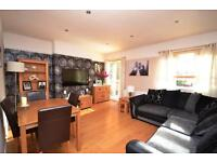 3 bedroom flat in St. Pancras Court, High Road, East Finchley, N2