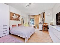 Two Bedroom Apartment In An Immaculately Maintained Mansion Block Development