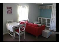 1 bedroom flat in Memnon Court, Colchester, CO2 (1 bed)