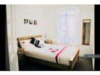 2 bedroom flat in Borestone Crescent, Stirling, FK7 (2 bed) (#1129405)