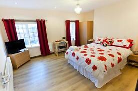 Stay from 35 Pounds each City Centre - 10 Bed Boutique Apartment, Self Catering -NG1 Postcode