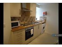 2 bedroom flat in Market Street, Aberdeen, AB11 (2 bed)