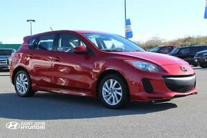 2013 Mazda MAZDA3 GS! SUNROOF! HEATED SEATS! LOW KMS!