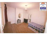 Reduced Large 2 bedeoom flat to rent in heart of bury park close to town £850