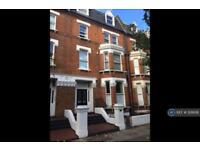 3 bedroom flat in Sutherland Avenue, London, W9 (3 bed)