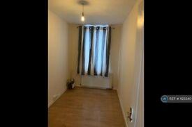 3 bedroom flat in Shenley Road, Borehamwood, WD6 (3 bed) (#1123340)