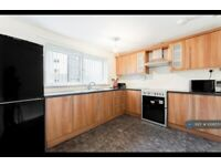 3 bedroom flat in St. Mungo Avenue, Glasgow, G4 (3 bed) (#1006551)