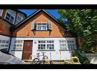 1 bedroom house in Park Mews, London, N8 (1 bed) (#1135543)