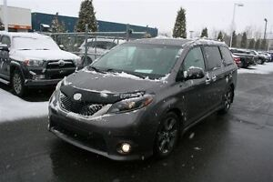 2015 Toyota Sienna SE 8 Passagers **MAGS/FOGS/JUPES/CUIR** WOW 1