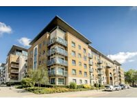 Lovely 2 bedroom flat to let with parking space to let. Royal Woolwich Arsenal estate.