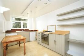 Spacious two bedroom apartment in Teddington to let/rent £1450pcm Unfurnished Available immediately