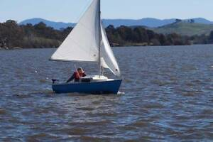 Cal 14 Trailer Sailer Sail Boat Murrumbateman Yass Valley Preview