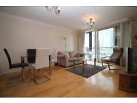 2 bedroom flat in Boardwalk Place, Canary Wharf, London E14