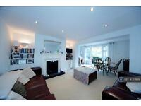 2 bedroom flat in Haselrigge Road, London, SW4 (2 bed)