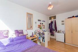 5.3% yield!! Buy-to-let 2 bed flat w great tenant Zone 2 Lewisham Greenwich Blackheath DLR SE13