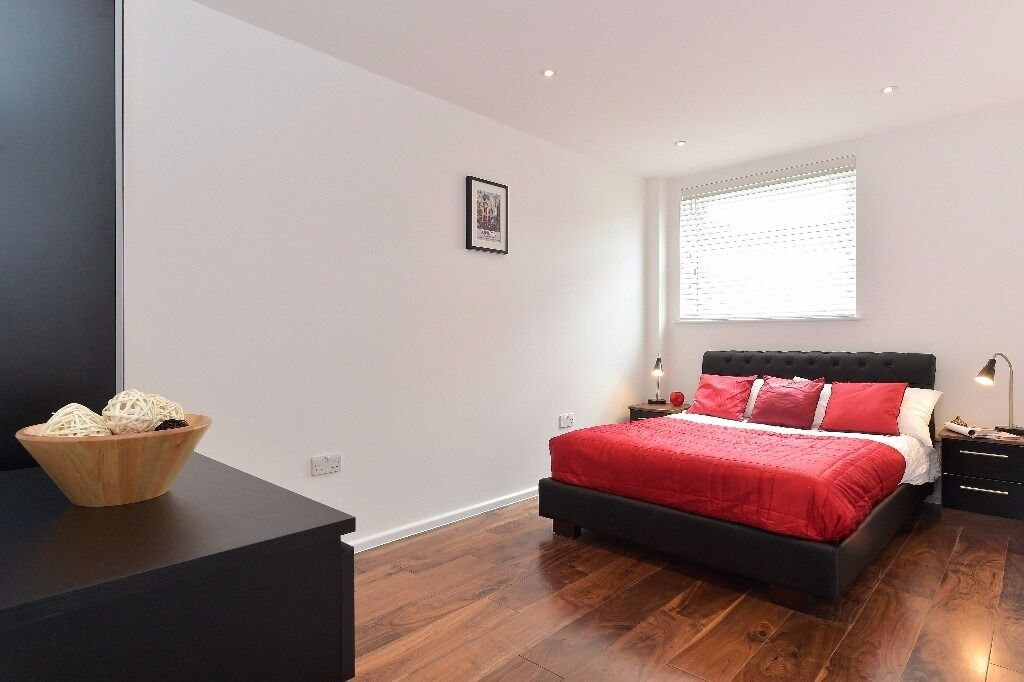 2 bed/ 1 bath + 1 sep toilets in London Bridge, fully furnished and Wifi included, 3 months min