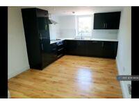 3 bedroom flat in Wood Vale, London, SE23 (3 bed) (#1109656)
