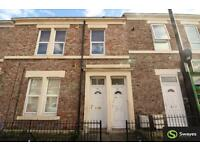 3 bedroom flat in Tamworth Road, Arthurs Hill