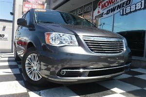 2016 Chrysler Town & Country Touring-L | Heated Seats | Blu-ray