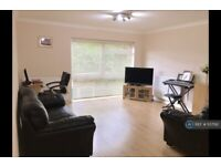 2 bedroom flat in The Avenue, Surbiton, KT5 (2 bed) (#1137192)