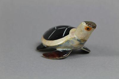 kleine Schildkröte - Perlmut farben schimmernd - Alter + Material unbekannt /S38
