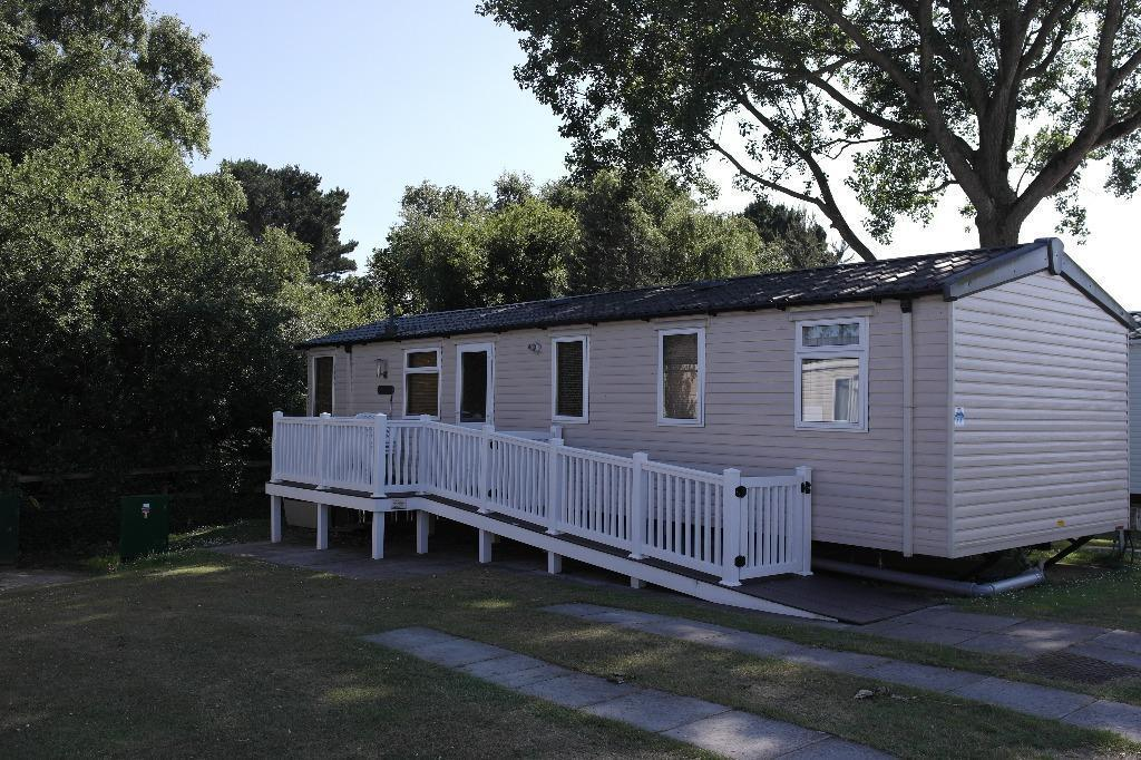Luxury Caravan Hire At Haven Holiday Parks Rockley Park Poole  In