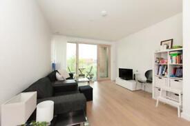 1 bedroom flat in Mansfield Point, Trafalger Place, Elephant & Castle SE17