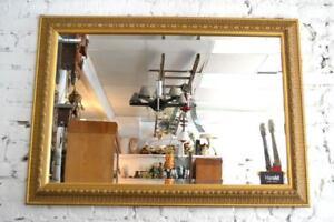 Miroir biseauté horizontal à feuille dor