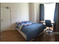 4 bedroom house in Cromwell Street, Swansea, SA1 (4 bed)
